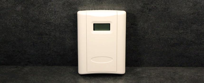 Temperature or Temp/Humidity sensor with display